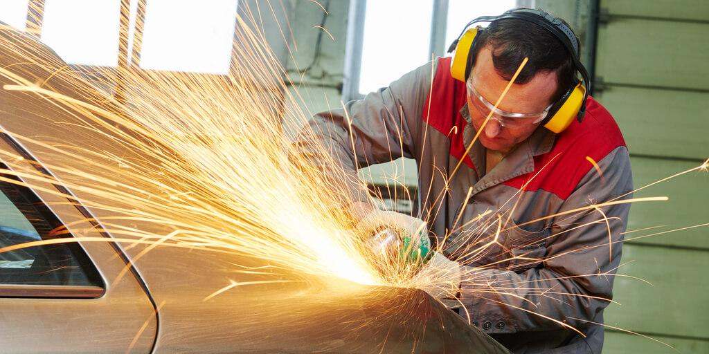vehicle body shop lighting repair work