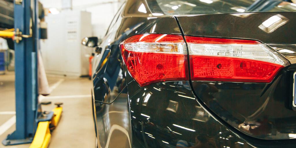 automotive shop lights vehicle body shop